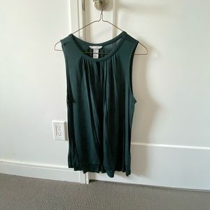 H&M deep green sleeveless blouse with keyhole